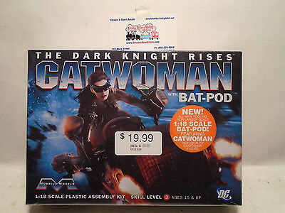 MOEBIUS MODELS #938 CATWOMAN WITH BAT-POD MODEL KIT NEW IN BOX