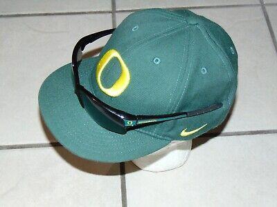 NIKE Oregon Ducks Hat Green Dri-Fit True Size 7 Flex with SGA (Ducks With Sunglasses)