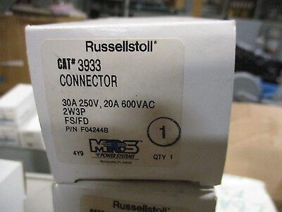 Russellstoll 3933 30 Amp 250 Volt 2 Wire 3 Pole Pinsleeve Connector- New-ps65