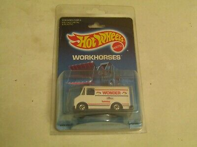 Hostess Wonder Bread Hot Wheels Delivery Truck with case