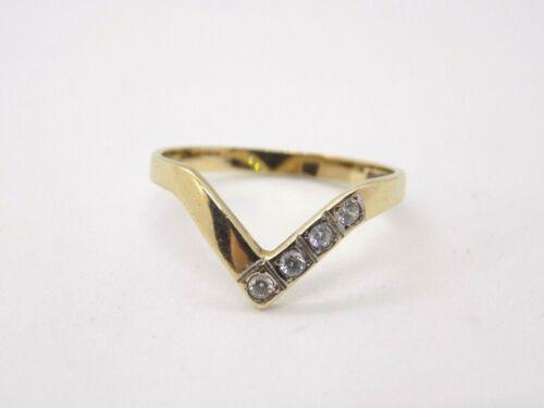 English 9ct Gold Wishbone Ring . Size O. Full 375 Hallmarks