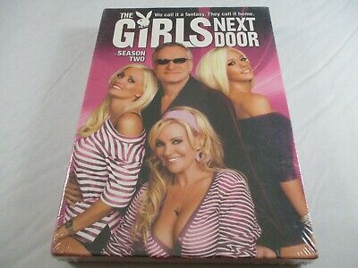 THE GIRLS NEXT DOOR-Sea. 2, Holly, Kendra & Bridget at Playboy Mansion w/Hefner