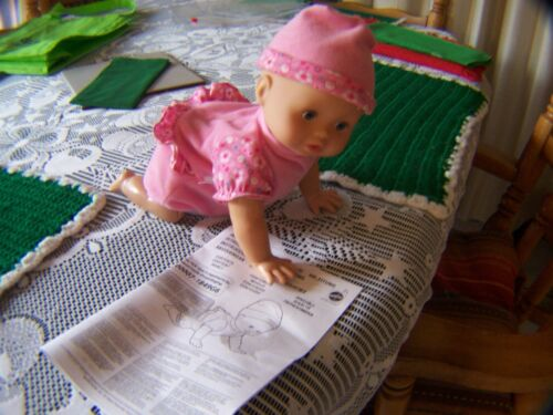 2008 Fisher Price Little Mommy Babbling Crawling Baby Doll