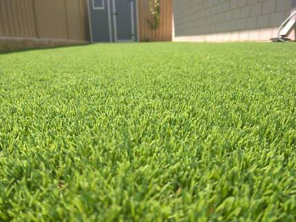 Artificial lawn- Deluxe-Life-like grass 40mm