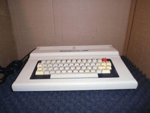 Nice Vintage Tandy Color Computer 2, 26-3127B