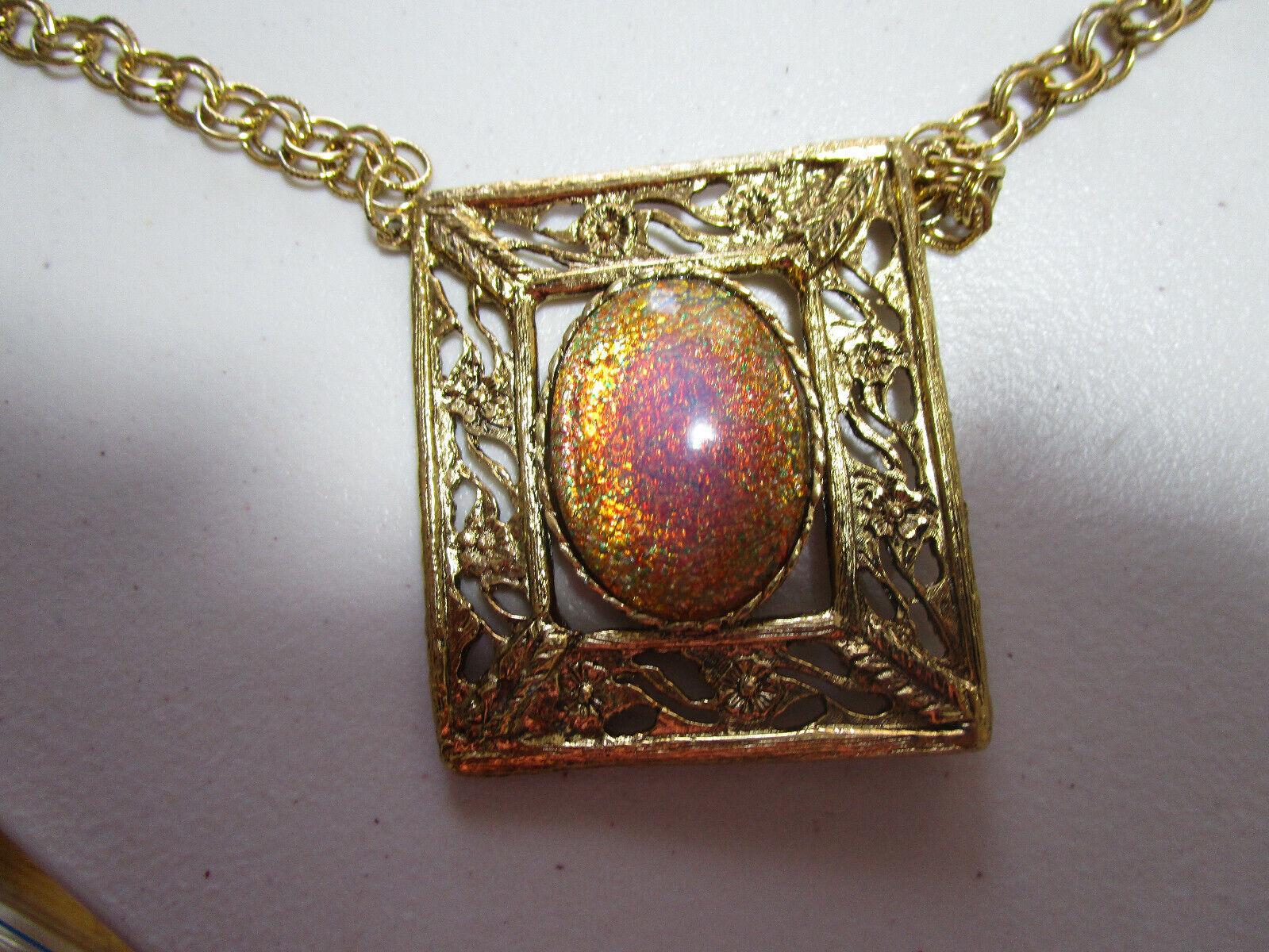 Jewellery - Very Nice Constume Jewellery Necklace.....