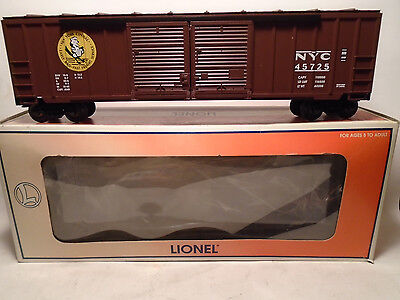 LIONEL #17263 NYC DOUBLE-DOOR BOXCAR NEW IN FADED BOX