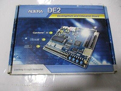 Altera De2 Development And Education Board Cyclone Ii Dk-de2-2c35nun-0a