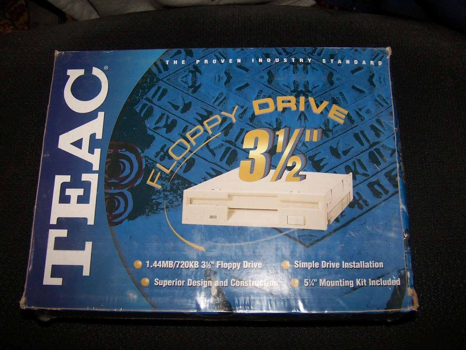 """как выглядит TEAC 3.5"""" 1.44 PC Floppy Drive FD235HFC291/CS NOS фото"""