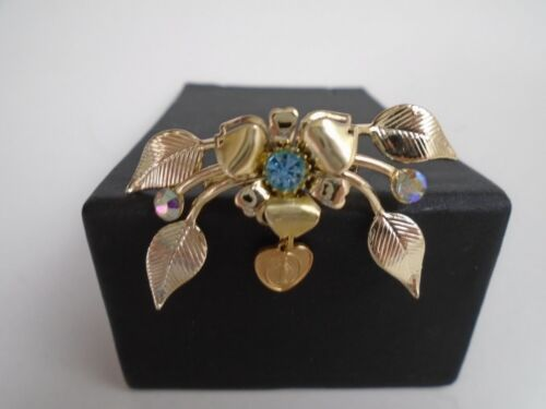 VTG GOLD TONE BROOCH w/ Flowers & Virgin Mary in a Heart in Center & Crystals