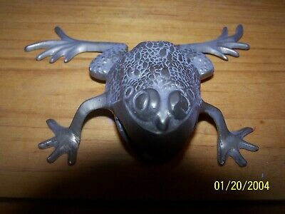 VINTAGE BRASS FROG FIGURINE METAL TOAD PAPERWEIGHT COLLECTIBLE