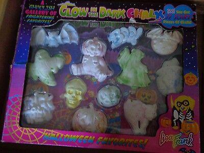 Vintage Lisa Frank Halloween Glow in the Dark Chalk 12 pieces The Bat has crack ()