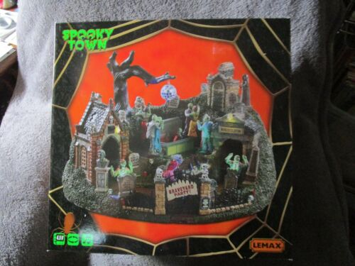 Halloween Lemax Spooky Town, Graveyard Party  2019  NEW