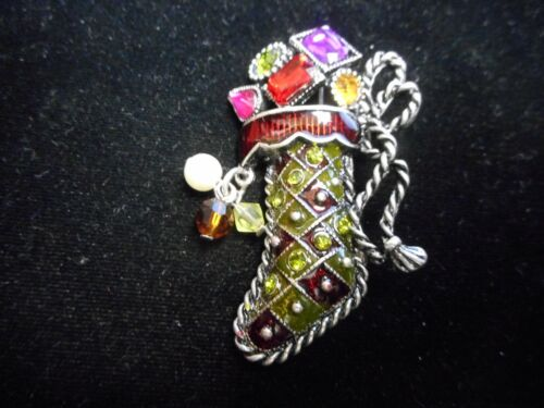 WOW beautiful VINTAGE CHRISTMAS STOCKING PIN / BROOCH  WITH CRYSTAL + ENAMEL