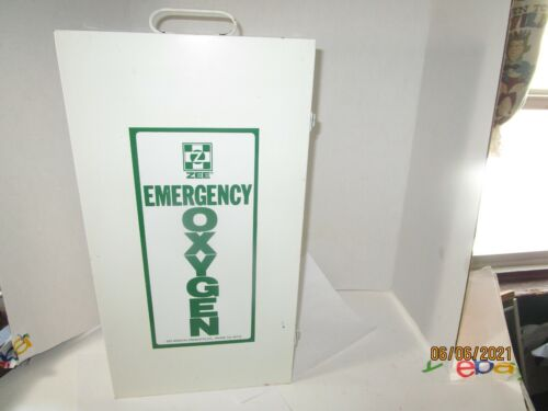 Vintage Zee Oxygen Metal First Aid Box Wall Mount White Green Empty