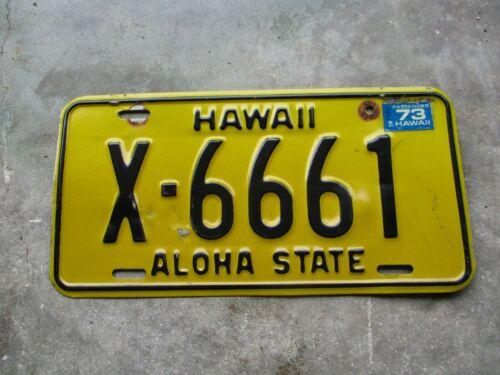 Hawaii 1973 license plate  #  X - 6661
