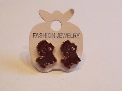Ohrringe mit dunkel braunem Pudel rosa Zunge Hund  aus Email 5014