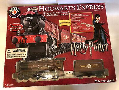 Harry Potter HOGWARTS EXPRESS Lionel Train Car Set G-Gauge 7-11080 Battery Power