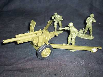 Classic Toy Soldiers Wwii Us 105mm Field Gun With 3 Man Crew In 1/32nd Scale