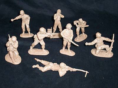 Classic Toy Soldiers U.S. GI`s set #2, 16 figures in 8 poses 54mm Tan plastic