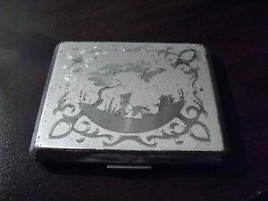 Vintage-American-Beauty-by-Elgin-Metal-Compact