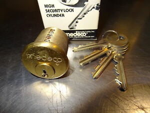MEDECO-10-500-02-6-PIN-MORTISE-CYLINDER-NEW-LOT-OF-2-WITH-4-KEYS-EACH