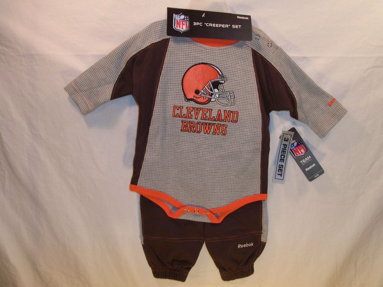 Cleveland Browns Nfl Bodysuit, Pants & Skull Cap Rbk 6/9 Months