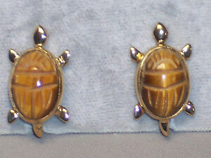 VINTAGE-GOLD-FILLED-RONCI-CARVED-TIGER-EYE-SCARAB-TURTLE-SCREWBACK-EARRINGS