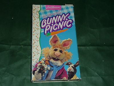 Muppets - The Tale of the Bunny Picnic (VHS,
