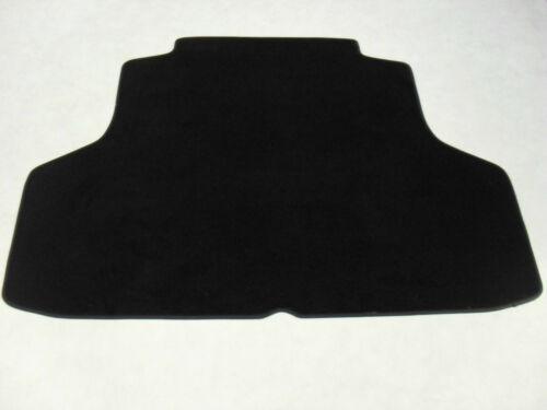 Lexus CT200H 2014-on Fully Tailored Deluxe Boot Mat in Black