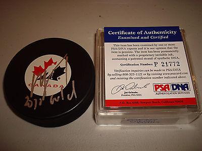 Roberto Luongo Signed Team Canada Hockey Puck 2010 Gold PSA/DNA COA Autographed