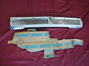 64 CORVAIR NOS GM REAR AIR OUTLET GRILLE