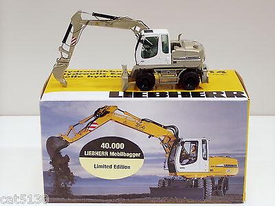 Liebherr 314 Excavator - pale Gold - 1/50 - Nzg 498 -
