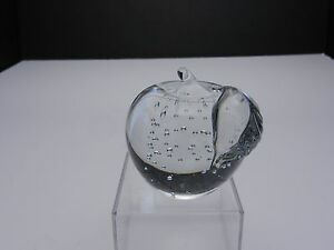 Art-Glass-Paperweight-Control-Bubbles-Apple-Stem-Leaf-2-3-4-D-Contemporary