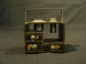 19th-C-ANTIQUE-JAPANESE-MINIATURE-LACQUER-GILT-TABAKO-BON-TOBACCO-BOX
