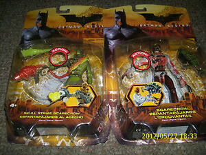 BATMAN-BEGINS-set-of-2-SCARECROW-AND-SKULL-STRIKE-SCARECROW-COLOR-VARIANTS
