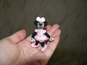 Handmade-Artist-miniature-ooak-bear-Minnie-Mouse-Disney-collectibles-By-Ani