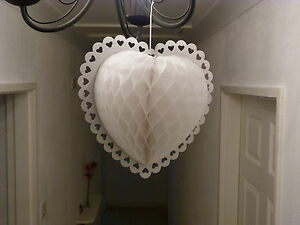 SUPERB-WHITE-HONEYCOMB-PAPER-HEART-DECORATION-IDEAL-WEDDING-CHRISTMAS-PARTIES