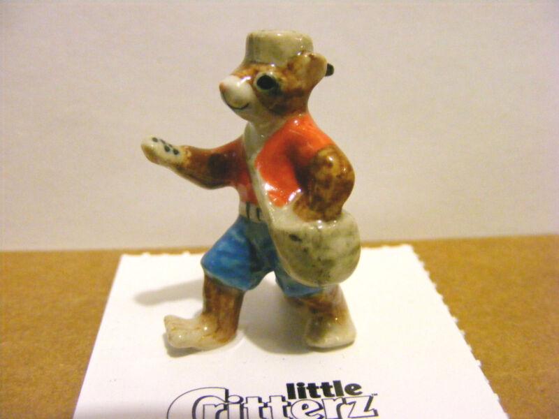 Little Critterz Johnny Appleseed The Chipmunk Miniature Animal Figurine Wildlife