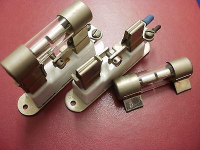 Überspannungsableiter - Gasableiter 600 Volt mit Fassung ===> 3 Stück von jedem