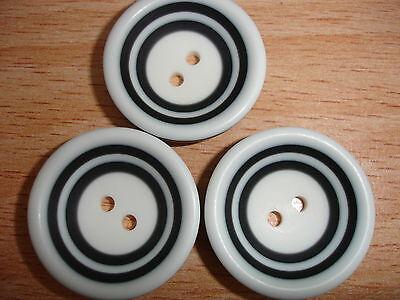 5 Stück ausgefallene Knöpfe schwarz/weiß geringelt 18mm K64.3