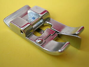 SEWING MACHINE CLIP ON OVERLOCKING EDGING FOOT BROTHER JANOME TOYOTA SINGER PLUS