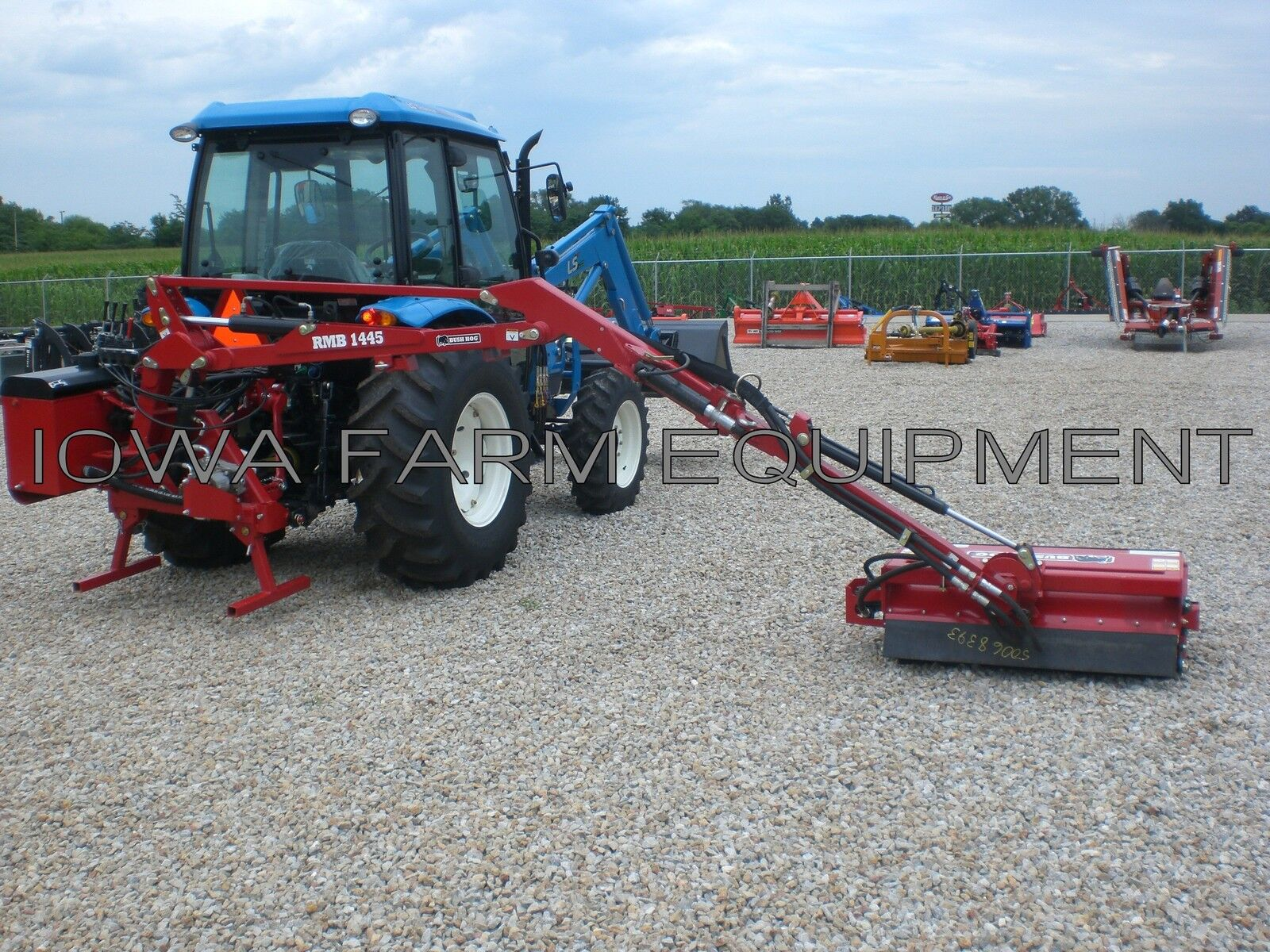 Flail Boom Mower: Bush Hog Rmb1445-1, Tractor 3-pt,pto Powered,39 Cut,14' Reach