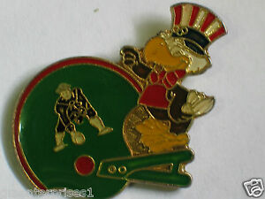 Vintage-1992-New-England-Patriots-Football-Helmet-Pin-1d-Old-Logo-Green