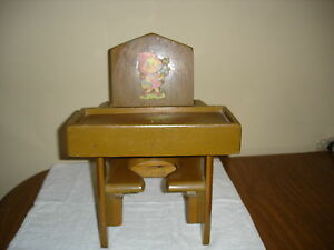 Antique-Vintage-Childs-Potty-Chair-wooden-painted-w-decals-removeable-tray