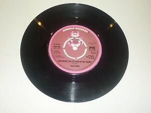 THE-TRAMMPS-Zing-went-the-strings-of-my-hear-1972-UK-2-track-7-vinyl-single