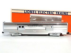 Lionel ELECTRIC Trains 6-19109 SANTA FE ALUMINUM BAGGAGE CAR No 3400 O Scale