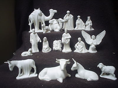C151 - 17 Piece SMALL Ceramic Bisque Nativity - Duncan - Ready to Paint