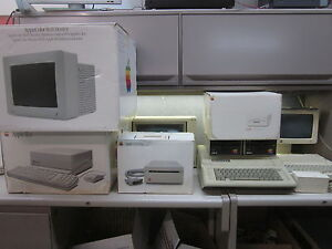 HUGE Vintage Apple Lot! IIc IIe IIgs Computers With Drives Monitors Games NICE!