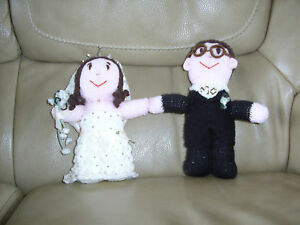 Knitted Bride And Groom Cake Toppers